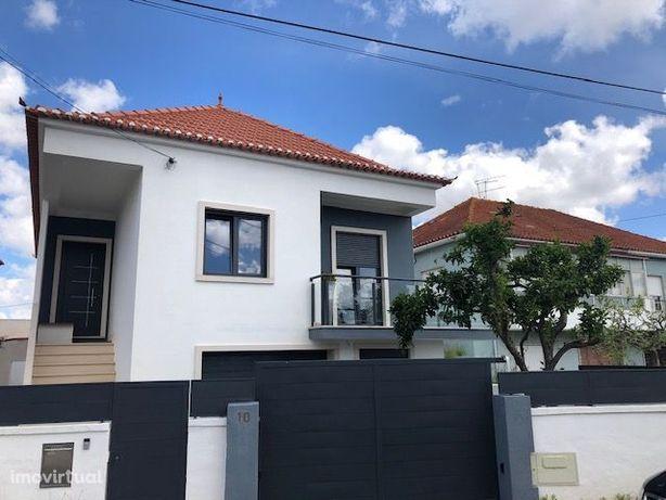 Porto Salvo - Moradia Isolada- V3 Remodelada