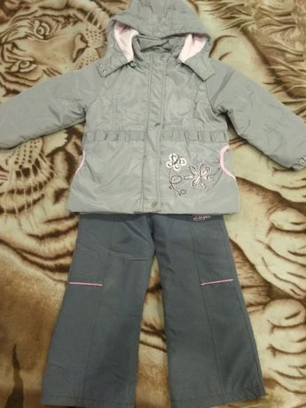 Куртка и штаны на девочку 104-110