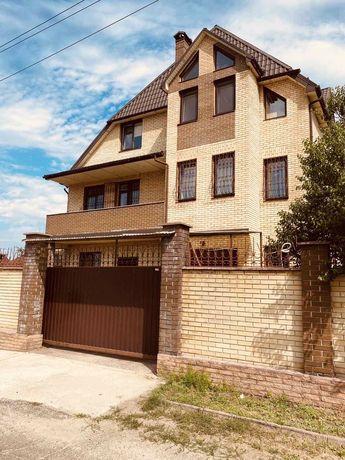 Бльшой дом в Бортничах
