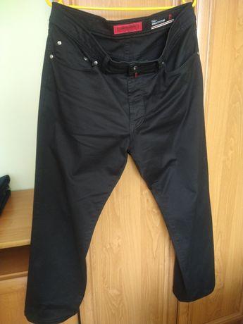 Spodnie czarne Pierre Cardin