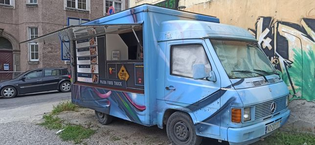 Food truck, mercedes mb100d, samochód specjalny