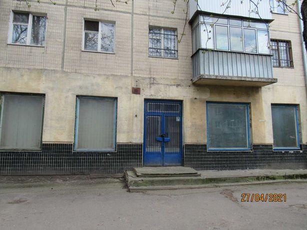 І поверх, 310,3 кв.м., просп. Чорновола В.(700-річчя Львова), буд. 55