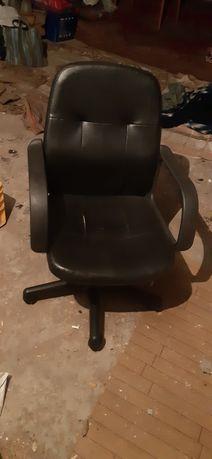 Fotel obrotowy , sprawny