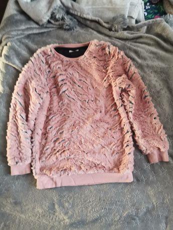 Sprzedam ciepła bluzę sweter 122/128