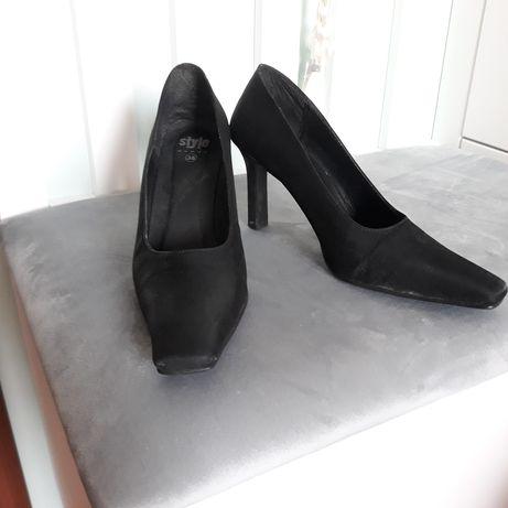 Czółenka czarne rozm. 38 - buty na obcasie