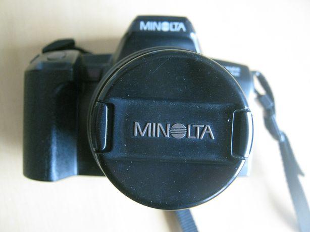 Minolta Dynax 303 si e mala a prova de agua.