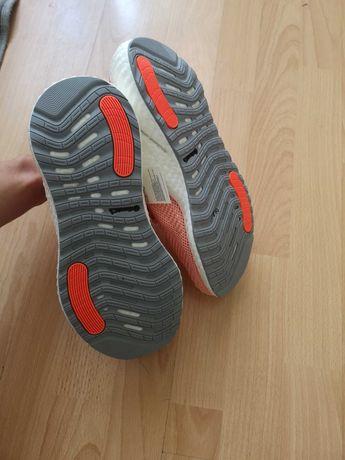 Buty sportowe Delikatny kolor królowej