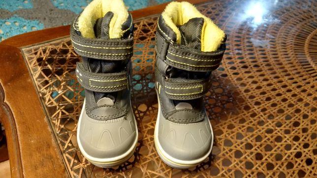 Nowe buty buciki zimowe, śniegowce, rozmiar 20