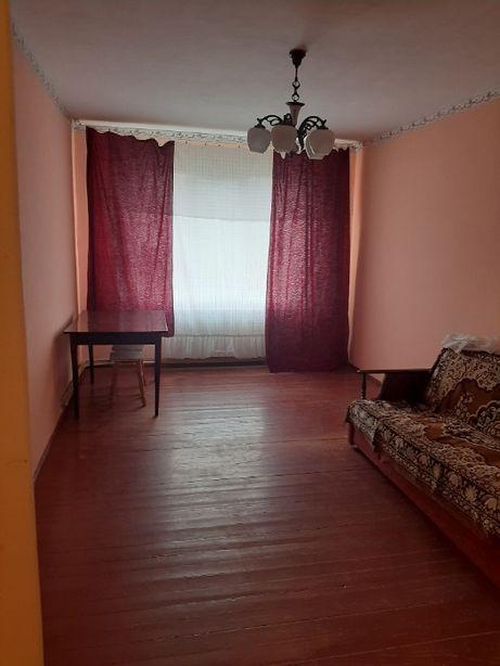 1 кім.квартира Івасюка з і/о,4 поверх,не кутова