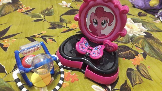 Іграшка дзеркало-трюмо музична