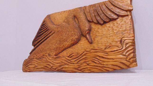 Rzeźba w drewnie, płaskorzeźba, Łabędź, prezent