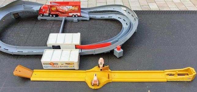 Tor wyścigowy z Mańkiem Cars Auta + tor z Traktorkami