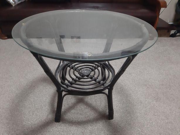 Продам стол кофейный из ротанга