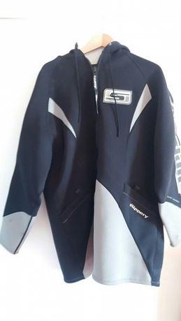 Fato Casaco com capucho neoprene da Slipery ideal para mota de agua