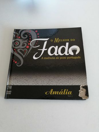 Cd com livro o melhor do fado de Amália
