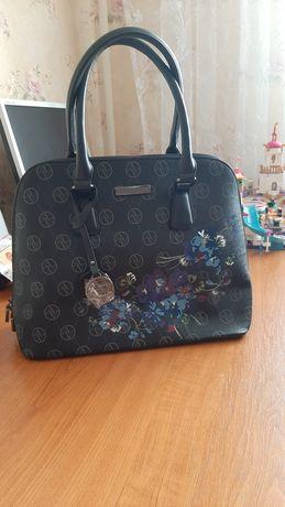 Продам сумку бренд ADRIENNE VITTADINI