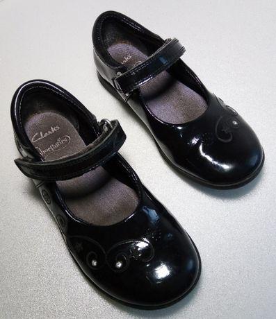 Черные туфельки на девочку, размер 28