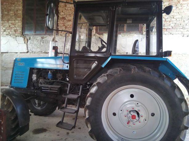 МТЗ 1025 трактор