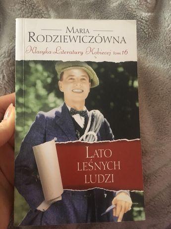 Lato leśnych ludzi książka
