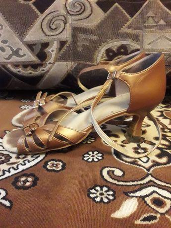 Продам туфли танцевальные