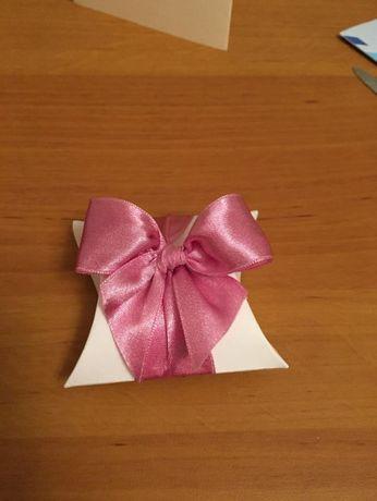 Podziękowania dla gości weselnych - pudełeczka poduszeczki