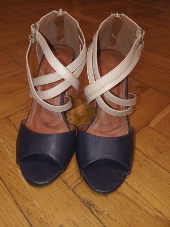 Sandały na obcasie rozmiar 38
