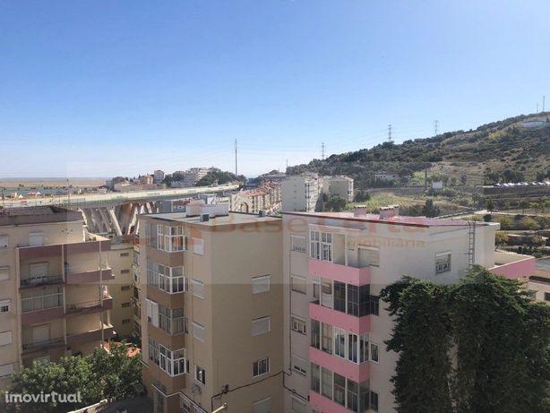 Vila Franca Xira T3,Garagem,Mobilado e Equipado