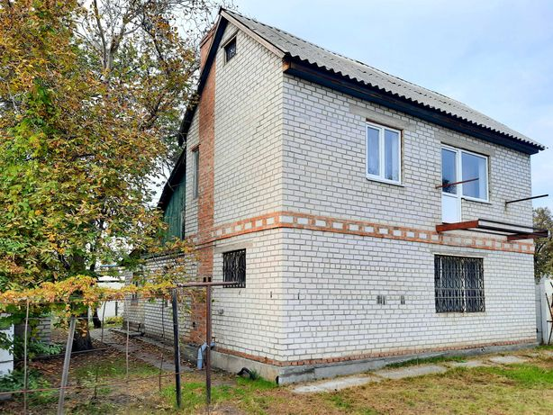 Продам кирпичный дом с удобствами на Чередниках