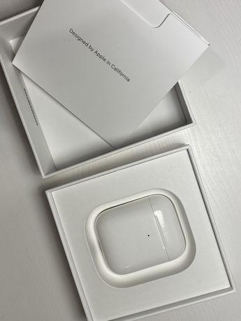 Słuchawki Apple AirPods (II) z bezprzewodowym etui ładującym