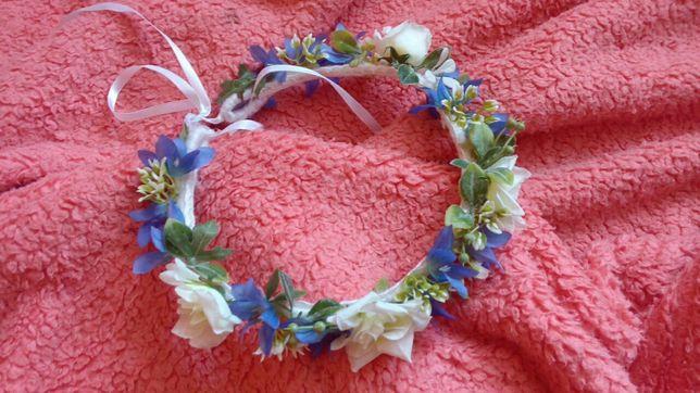 Wianek ślubny niebieski z kwiatów, na sesję