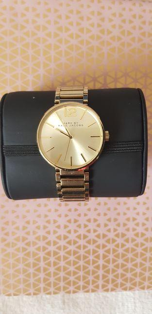Złoty zegarek Marc Jacobs