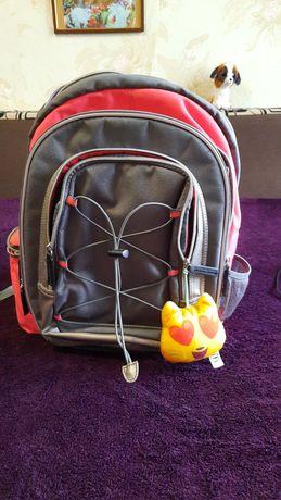 Рюкзак   /  ранец