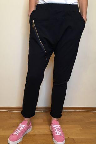 Spodnie dresowe, granatowe, niski krok, rozm. S/M