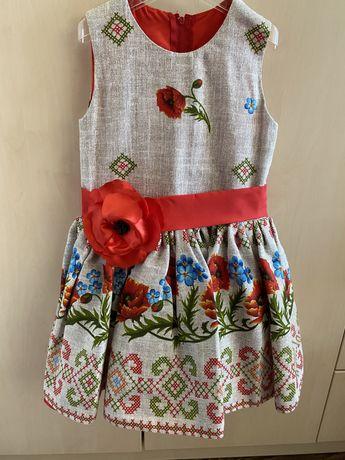 Красивое платье на девочку в украинском стиле