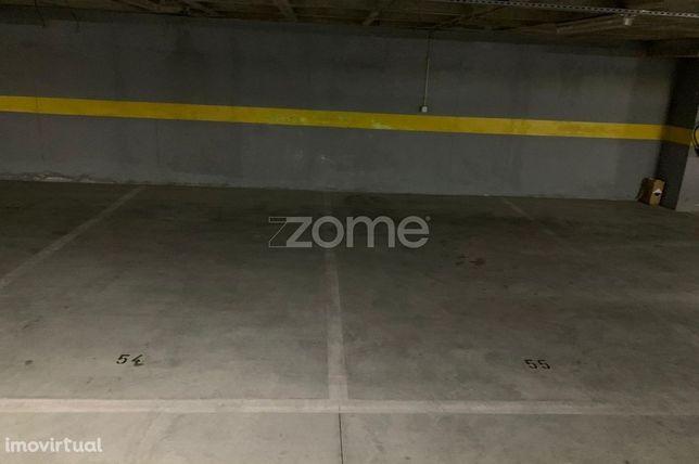 Lugares de Estacionamento com 13 m2