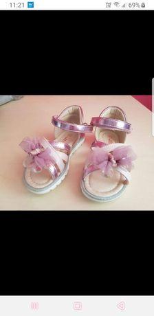 Sandałki 25 NOWE