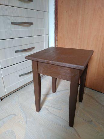 Табурет (стульчик) деревянный, изготовление под заказ, ручная работа