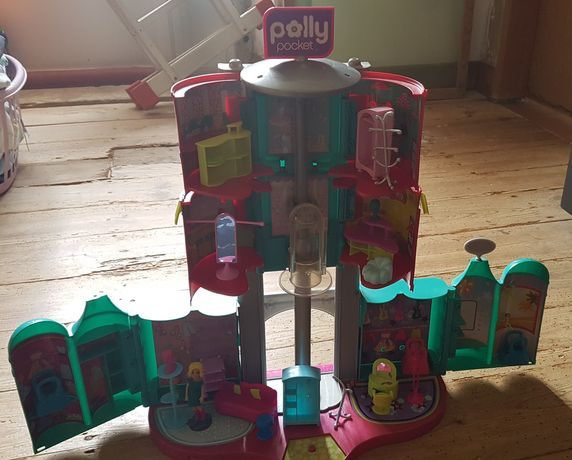 Shopping polly poket