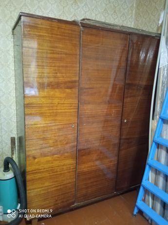 Шкаф советский полированный