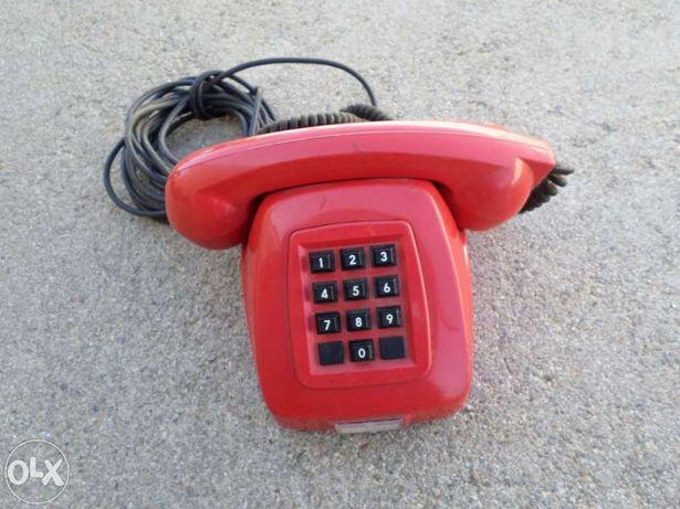 Telefones antigos para coleçao