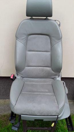Siedzenia fotele boczki tapicerskie Audi A38p 3d
