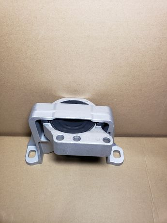 Подушка (опора) двигателя правая. Ford Escape/Kuga (2.0/2.5) 2011-2016