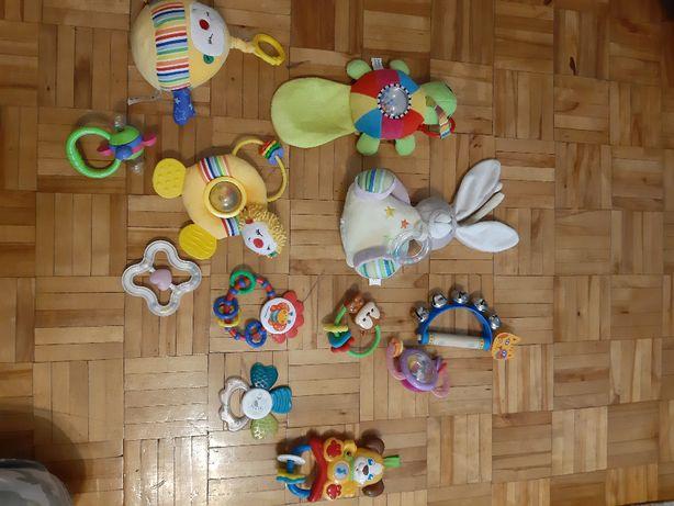 Grzechotki zabawki