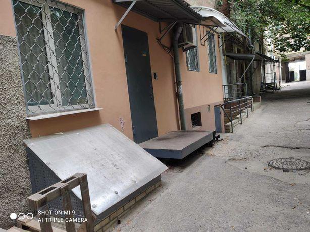 Сдам, 190 кв.м. 1 мин метро Защитников Украины, Московский проспект