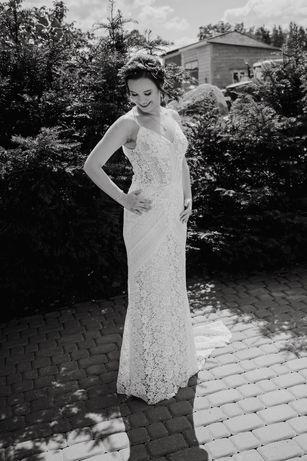 Suknia ślubna koronka, krój rybka+ A