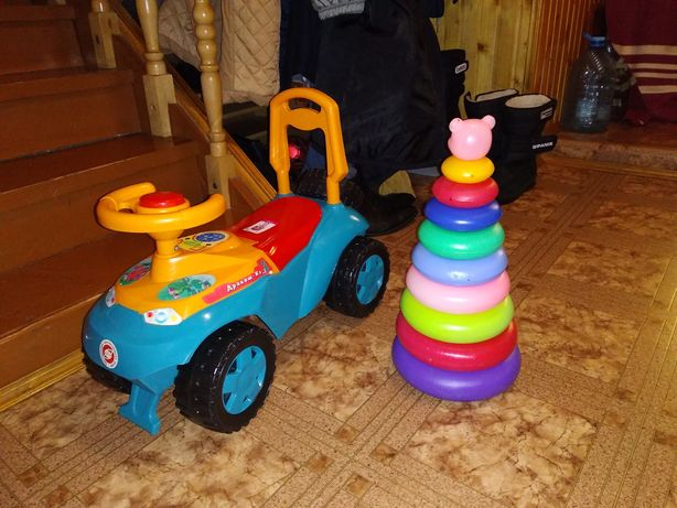 Толокар іграшка автомобільчик