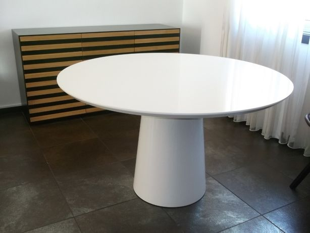 Aparadores Mesas e Cadeiras