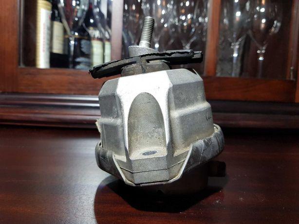 Подушка (опора) двигателя БМВ Е60 / Е61 520D 22116769874