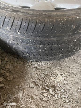 Резина лето два колеса 245/45r19