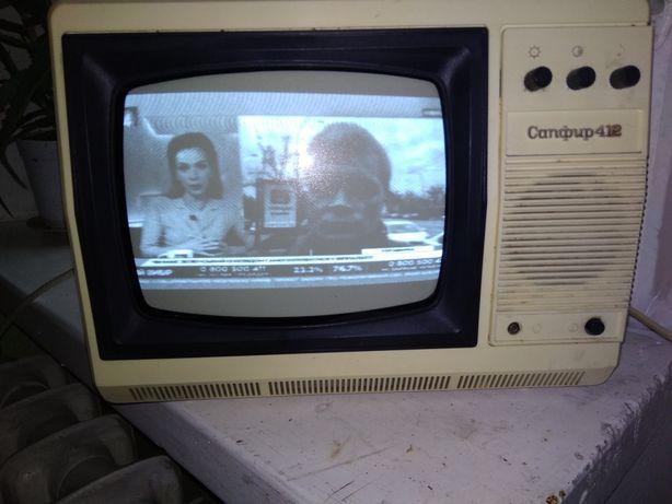 Продам ч/б телевизор Сапфир 412